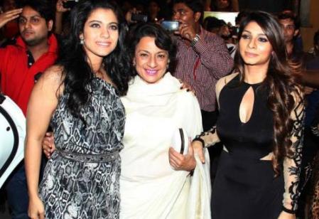 kajol-tanisha-mother-59th filmfare awards-showbizbites
