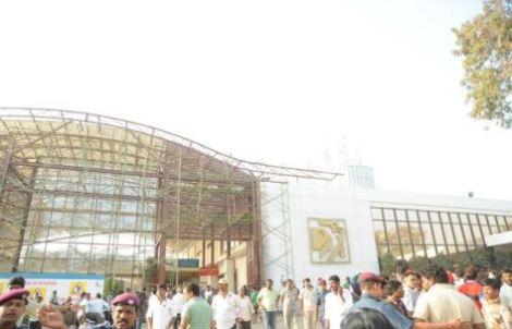 tolly celebs at hospital-uday kiran death-showbizbites
