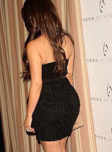 Kim-Kardashian-Bum-showbizbites-16