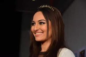 Pictures: Celebrities Glitter at Zee Cine Awards 2014