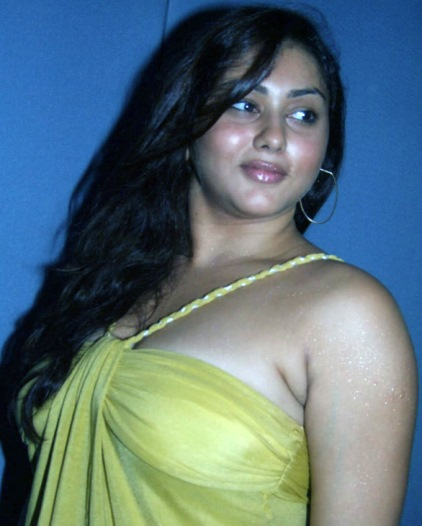 namita hot-showbizbites-10