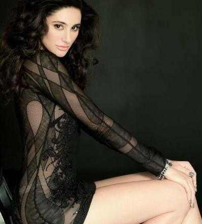nargis fakhri hot picture-showbizbites-05