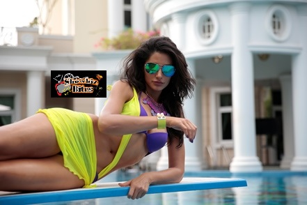 Nargis Fakhri in Bikini in Main Tera Hero-showbizbites-01