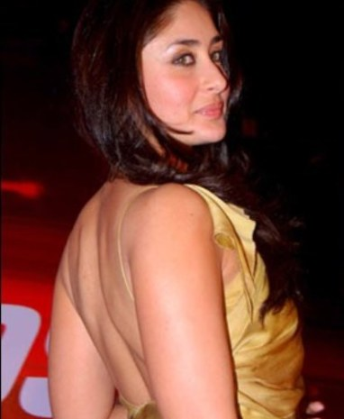 kareena kapoor backless-showbizbites-02