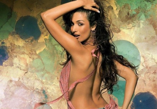 malaika arora-hot-showbizbites-06