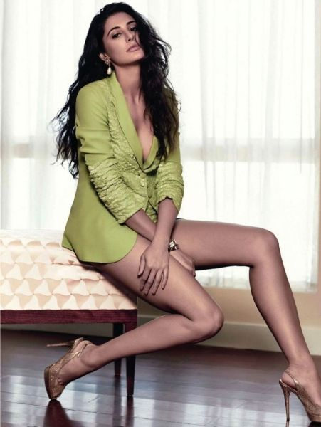 nargis fakhri-hot-showbizbites-05