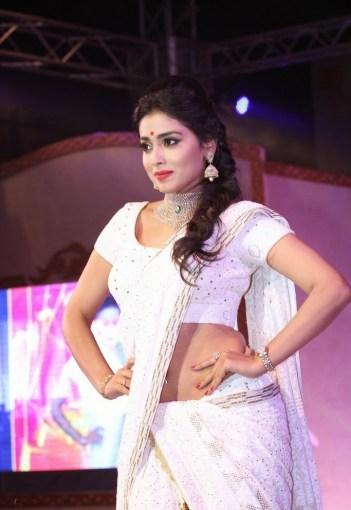 shreya at GR8 Women Awards-showbizbites-03