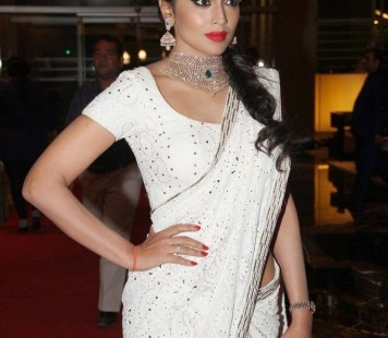 shreya at GR8 Women Awards-showbizbites