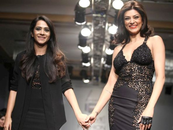 sushmita sen ramp walk-showbizbites-06
