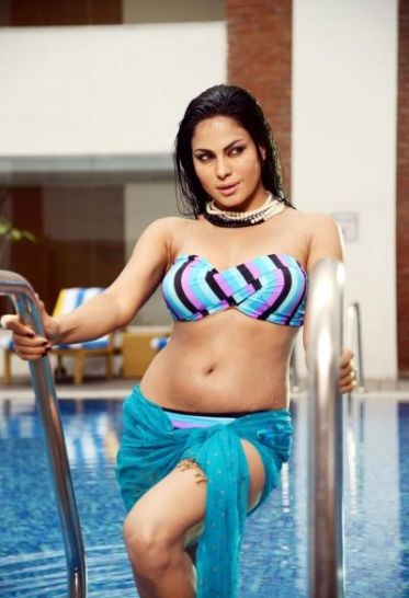 veena malik-hot-showbizbites-05