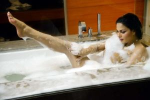Veena Malik Latest Hot Pictures Showing You What You Haven't Seen Before
