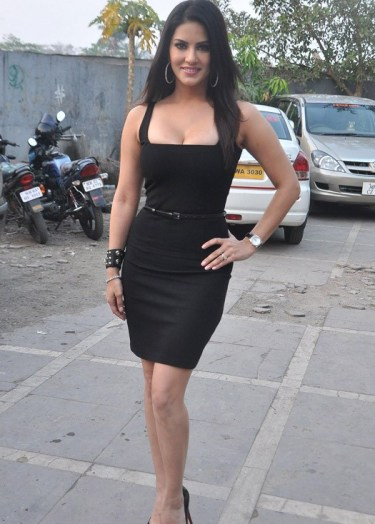 sunny leone-sexy and hot-showbizbites-01