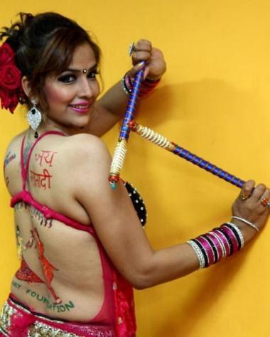 tanisha singh hot-showbizbites-10