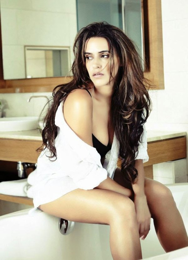 neha dhupia-hot-showbizbites