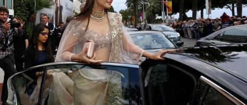 sonam kapoor at Cannes-showbizbites-03