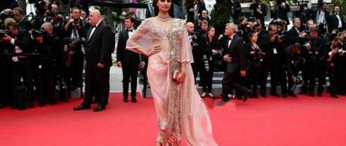 sonam kapoor at Cannes-showbizbites-08