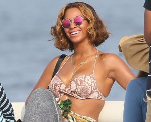 Photos: Beyoncé Shows Off Larger Assets During Family Holiday in Cannes