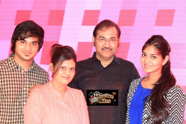 Siddhant Bhosle, Hema Bhonsle, Sudesh Bhosle and Shruti Bhosle at #fame launch
