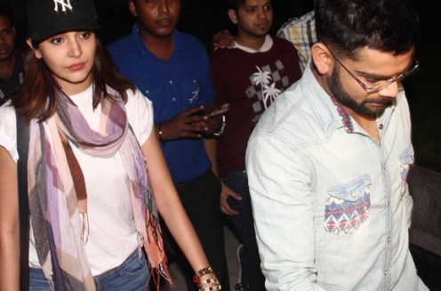 ansuhka and virat at sirport-showbizbites