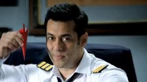 New Host of Bigg Boss 8, Check Out
