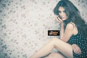 Aditi Rao Hydari Latest Images – Looks Hot, Seductive and Gorgeous