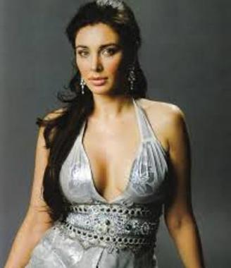 Lisa Ray Hot-03
