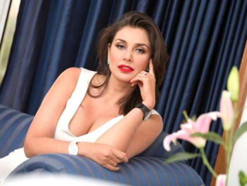 Lisa Ray Hot-07
