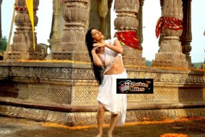 Sunny Leone's Skin Show in Satyam Shivam Sundaram Look