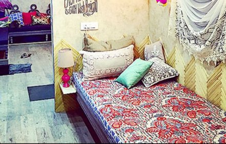 Alia Bhatt Vanity Van - Featured