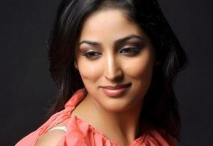 Someone Surprises Yami Gautam with a Special Gift