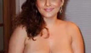SHOCKING PIX: A Leading Bollywood Actress CAUGHT WITHOUT CLOTHES