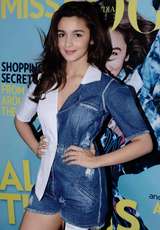 alia at miss vogue cover launch-03