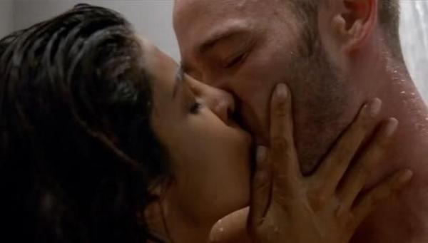 priyanka chopra hot scenes in Quantico-12
