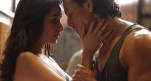 VIDEO: Agar Tu Hota from Baaghi Released – Heart Warming Number