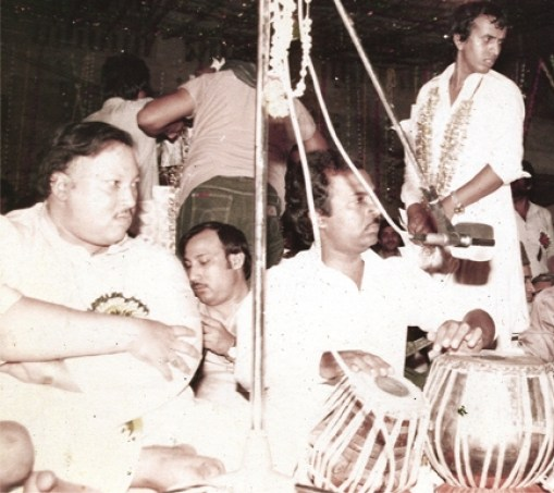 ustad nusrat faeth ali khan at rishi kapoor's wedding ceremony
