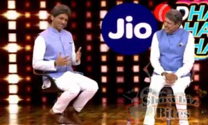 PHOTOS: Sunil Grover Imitates Kapil Dev on Jio Dhan Dhana Dhan