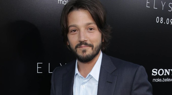 Diego Luna Says That The Americas Will Be ONE Big Country