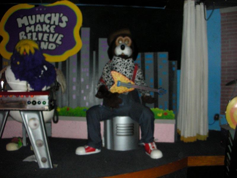 Band Chuck Cheese House E