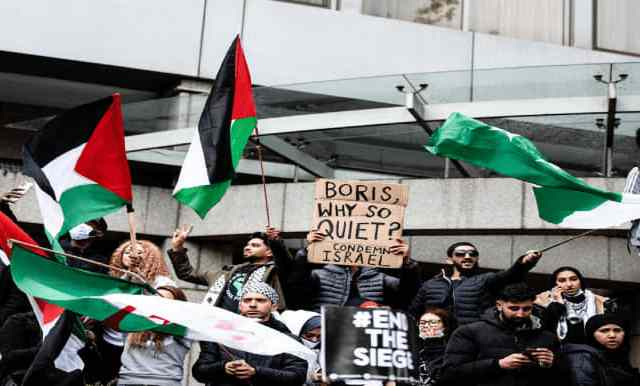 UK police officer investigated over 'partiality' in Palestine march