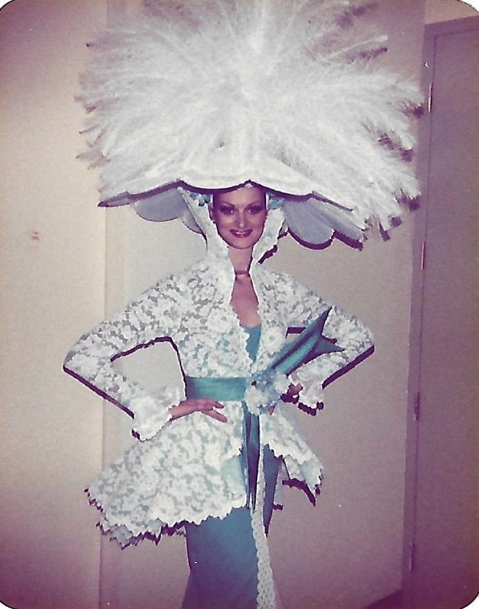 Showgirl's Life podcast | ep 049 Being pegged as a future Bluebell dancer from the age of two years old featuring Suzanne Raines (Lunn)
