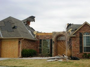 More Tornado Pics from Valencia, Edmond