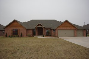 SOLD in Highland Trails – 7843 Lindsay Ln
