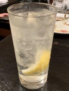 自由が丘の焼肉屋「漢江」のレモンサワー