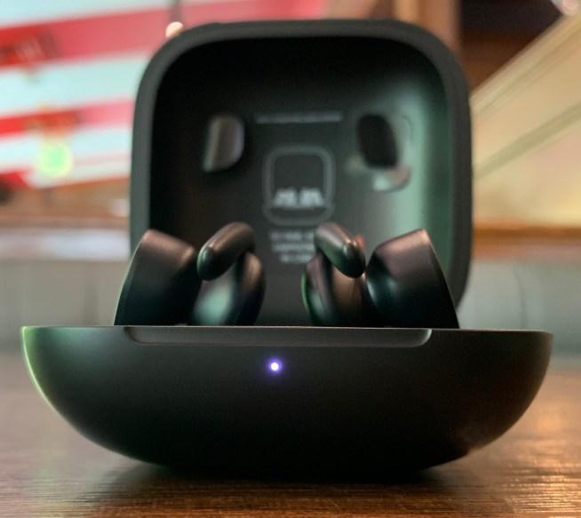PowerbeatsProのケースの充電ランプ