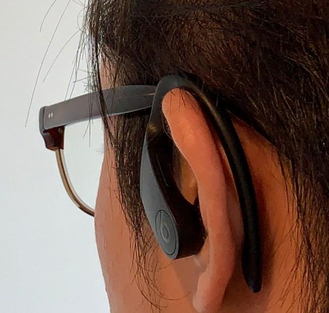 Powerbeats Proはメガネに干渉しない