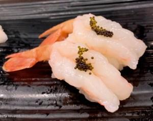 渋谷マークシティ「梅丘寿司の美登利総本店」ぼたん海老の握り