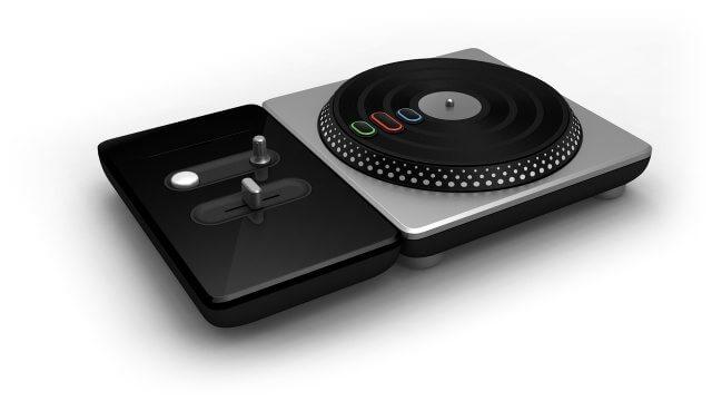 dj hero 20090529012452411 640w - Nada de Rock Band: queremos DJ Hero!