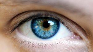 brown eyes blue olhos azuis castanhos cirurgia - Laser pode transformar olhos castanhos em azuis