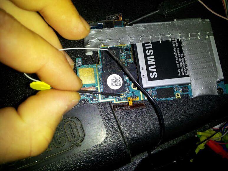adamoutlersgs3goodnessgraciousgreatballsoffire - Nova técnica permite iniciar o sistema Android em cartões MicroSD