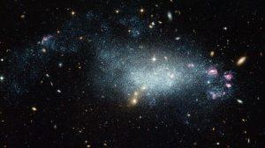 Hubble descobre nova galáxia 4